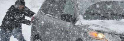 snow-stuck-car-AP