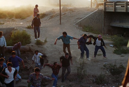 Mexicans Crossing Border Illegals