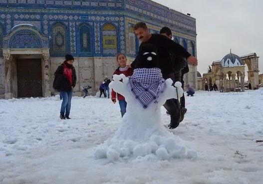 arab_muslims_snow_terrorist_temple_mount