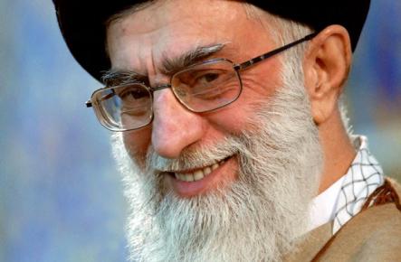 khameini-laughing-iran