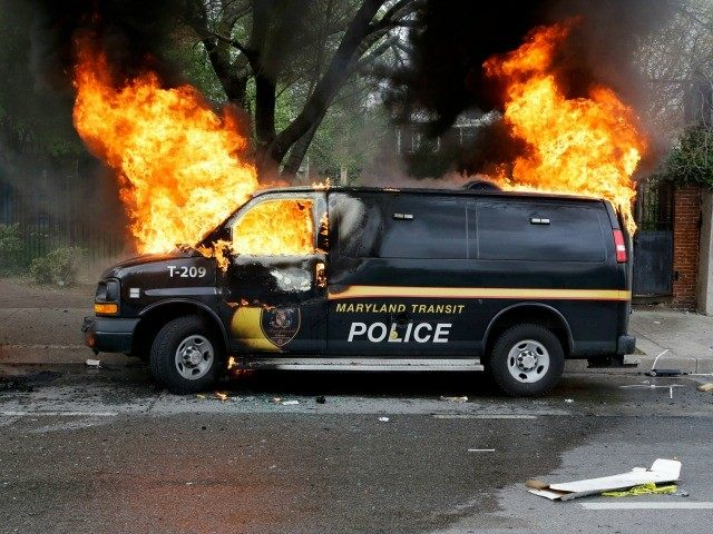 baltimore-police-van-fire