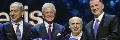 Michael_Douglas_gets_Genesis_prize_from_Bibi_and_Sharansky_-_Copy