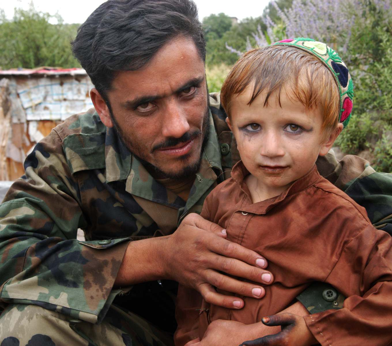 Afghan-boy-rape-eyeshadow