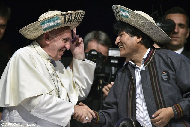 Pope_Francis_left_spoke_briefly_with_the_left_wing_Bolivian_Pres