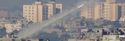 israel-gaza-rocket_2399203b